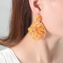 Ohrringe mit Spitze Design