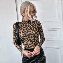 Top corto de malla de leopardo de cuello alto