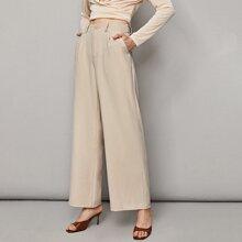Hose mit Falten und breitem Beinschnitt
