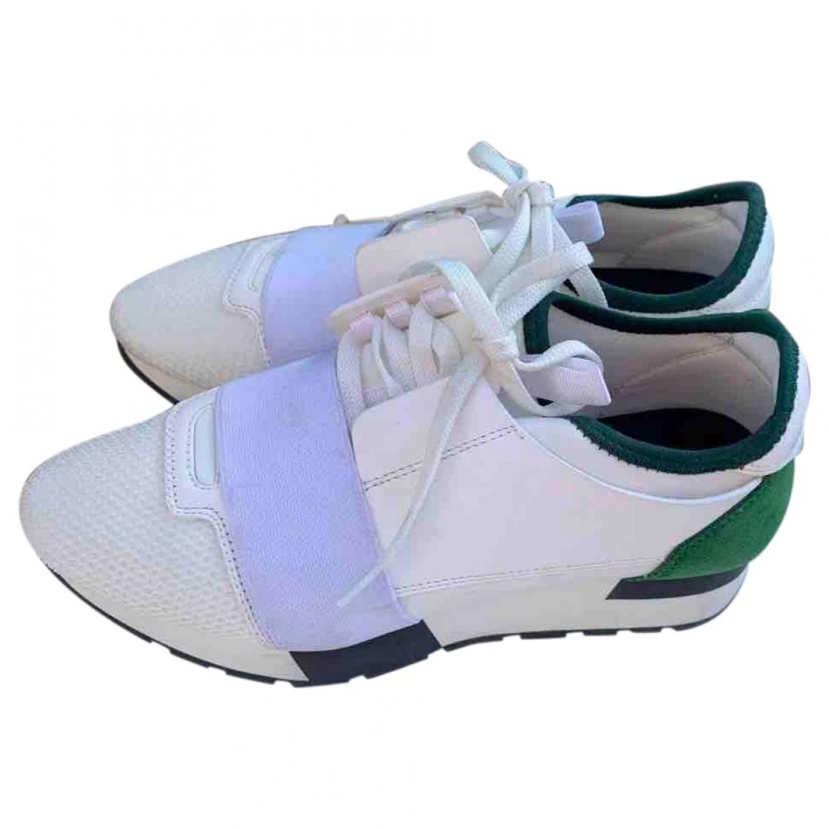 Balenciaga Race Sneakers in  Weiss Leinen