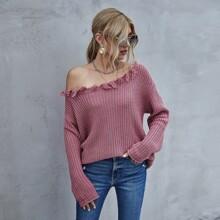 Einfarbiger Pullover mit asymmetrischem Kragen und Fransen