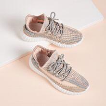 Zapatos tejidos con cordon