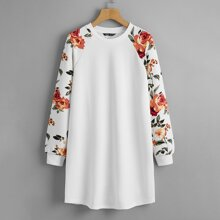 Kleid mit Blumen Muster und Raglanaermeln