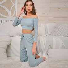 Schulterfreies Crop Top mit gekraeuseltem Saum & Jogginghose Set