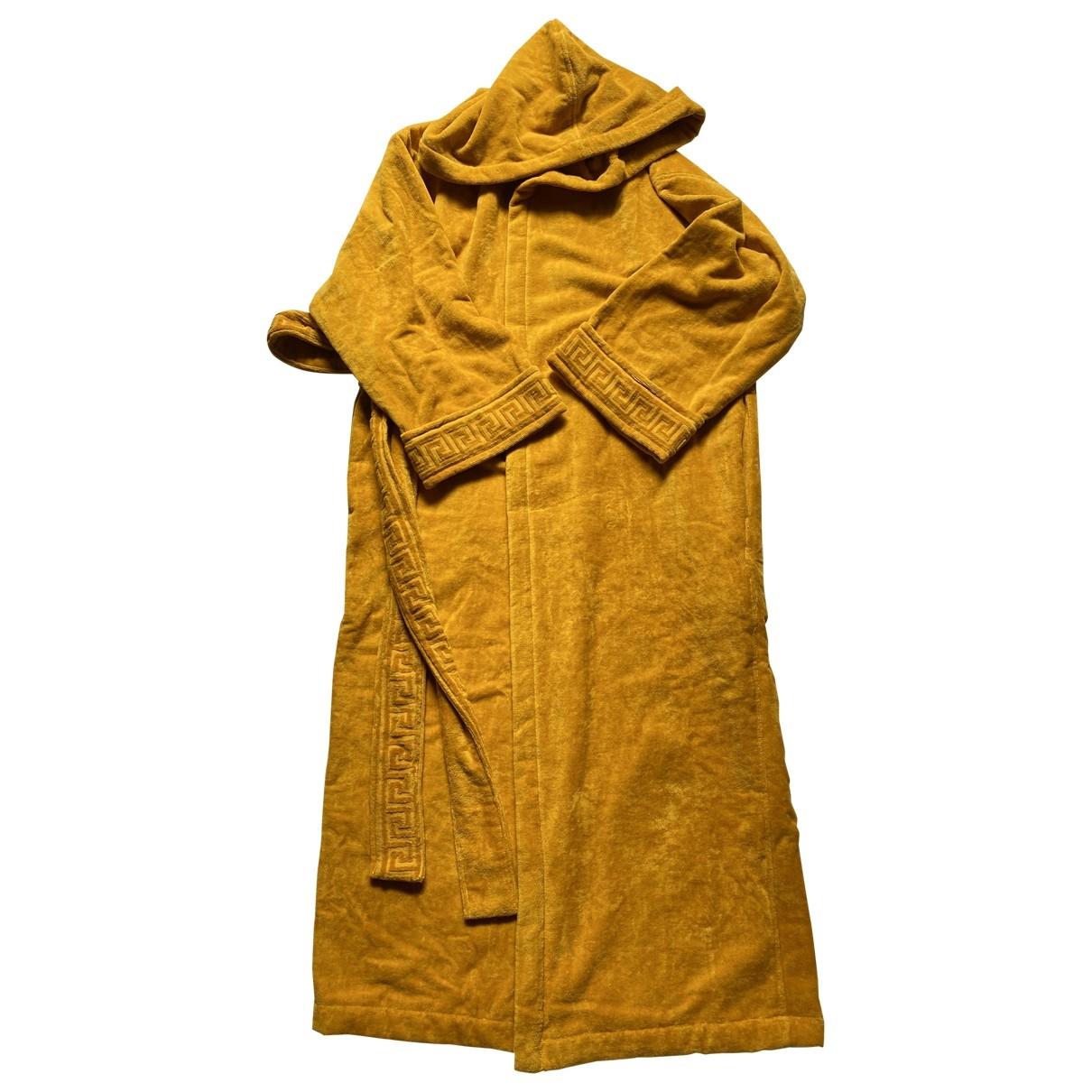 Versace \N Heimtextilien in  Gelb Baumwolle