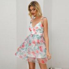 Double Crazy vestido de tirante floral bajo a capas con tiras con nudo