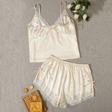 Satin Schlafanzug Set mit Kontrast Spitzen und Schleife vorn