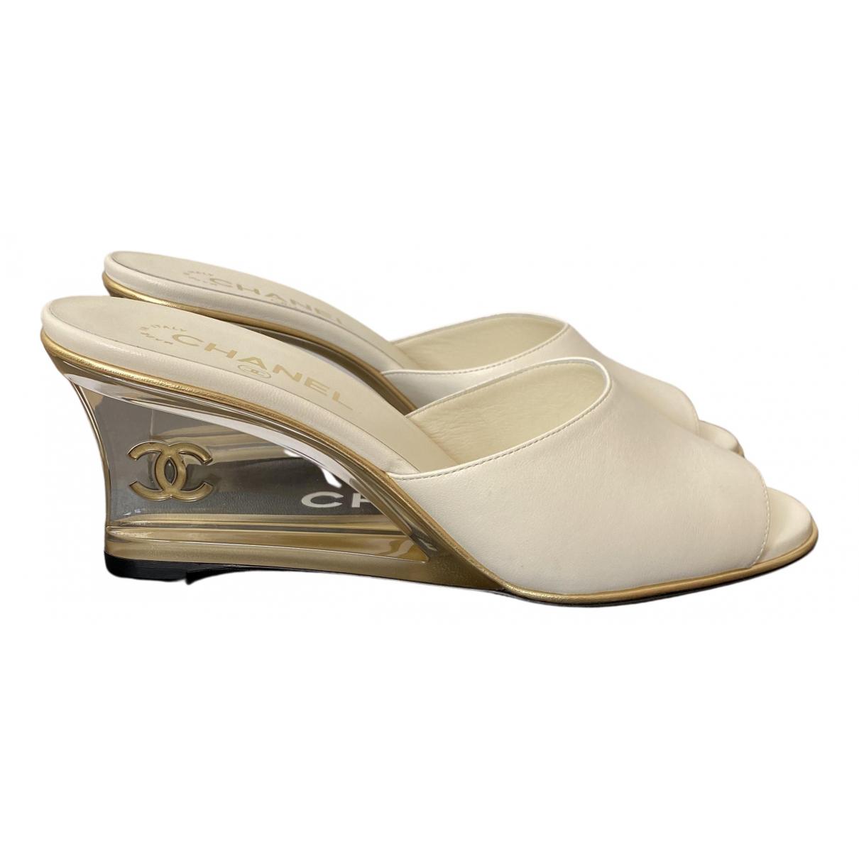 Chanel - Sandales   pour femme en cuir - blanc