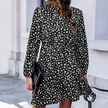 Kleid mit Schluesselloch hinten, Ruesche am Kragen und Dalmatiner Muster