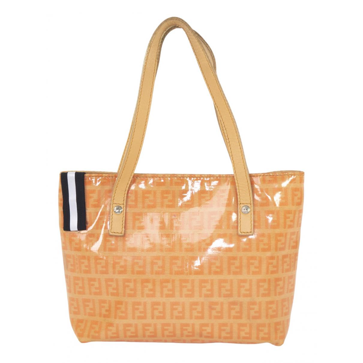 Fendi \N Handtasche in  Orange Kunststoff