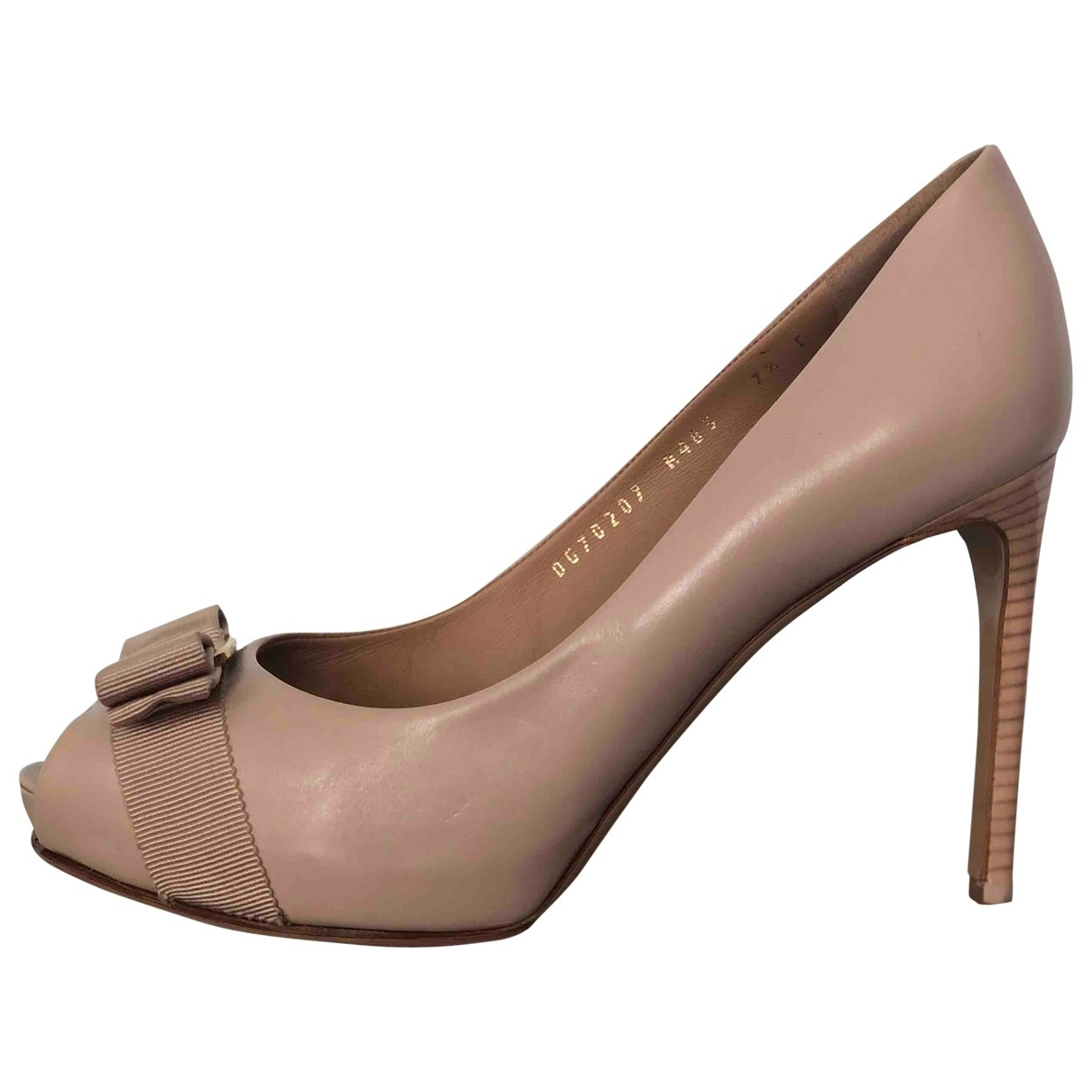 Salvatore Ferragamo \N Beige Leather Heels for Women 7.5 US