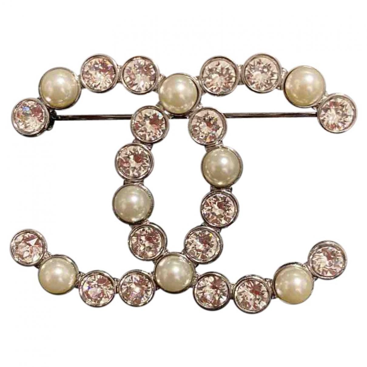 Chanel CC Brosche in  Silber Stahl