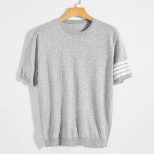 Pullover mit Streifen, einem Ärmel und kurzen Ärmeln