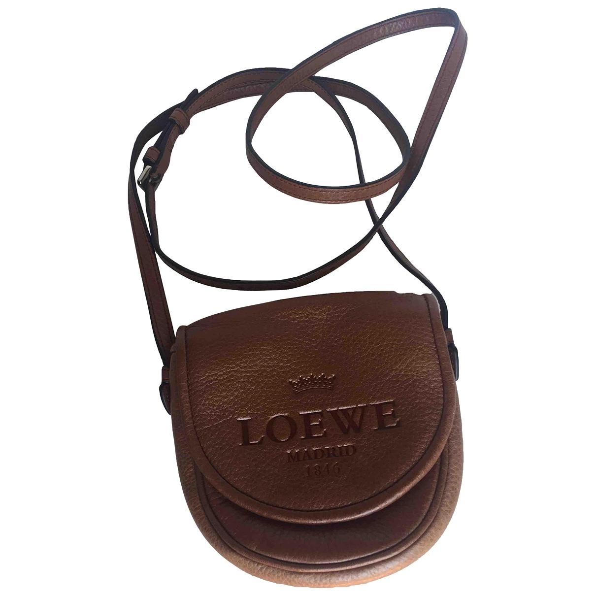 Loewe \N Camel Leather handbag for Women \N
