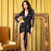 Satin Kleid mit asymmetrischem Saum und V Kragen