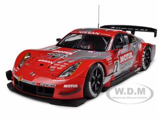 Motul Pitwork Nissan Z 2004 JGTC Team Champion Special Edition (Masami Kageyama) 22 With Driver Figure 1/18 Diecast Model Car by Autoart