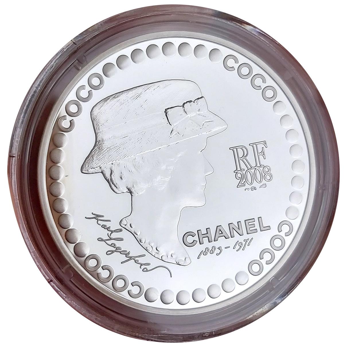 Objeto de decoracion de Plata Chanel