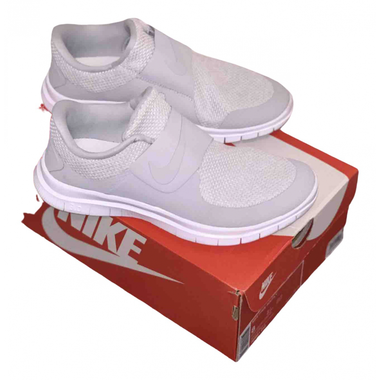 Nike \N White Cloth Trainers for Men 7 UK