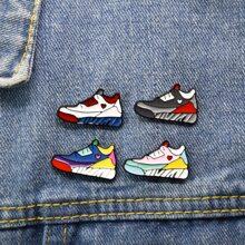 4 Stuecke Brosche mit Sneaker Design