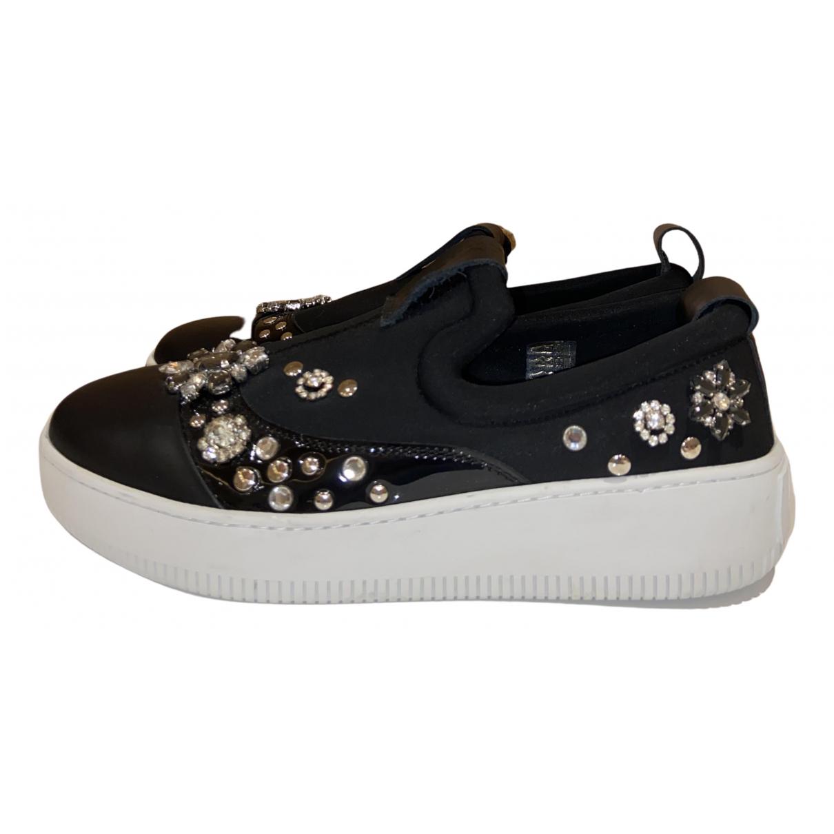 Alexander Mcqueen \N Sneakers in  Schwarz Leder