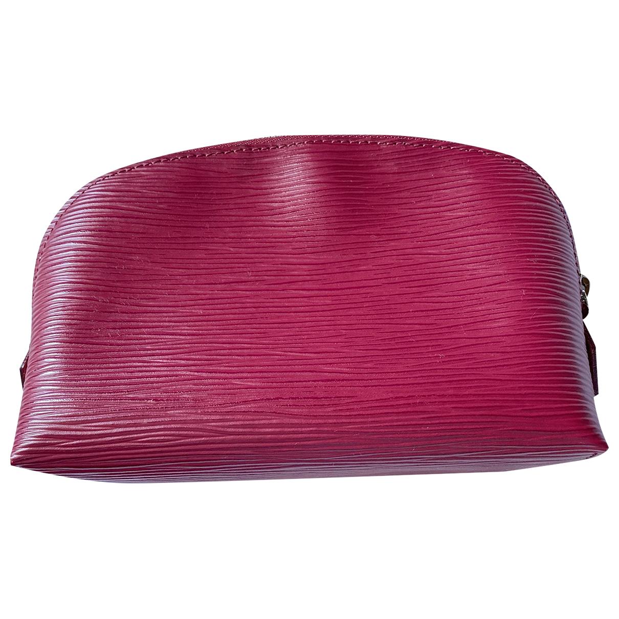 Louis Vuitton \N Reisetasche in  Rot Leder