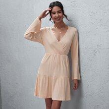 A-Linie Kleid mit V-Ausschnitt und Rueschenbesatz