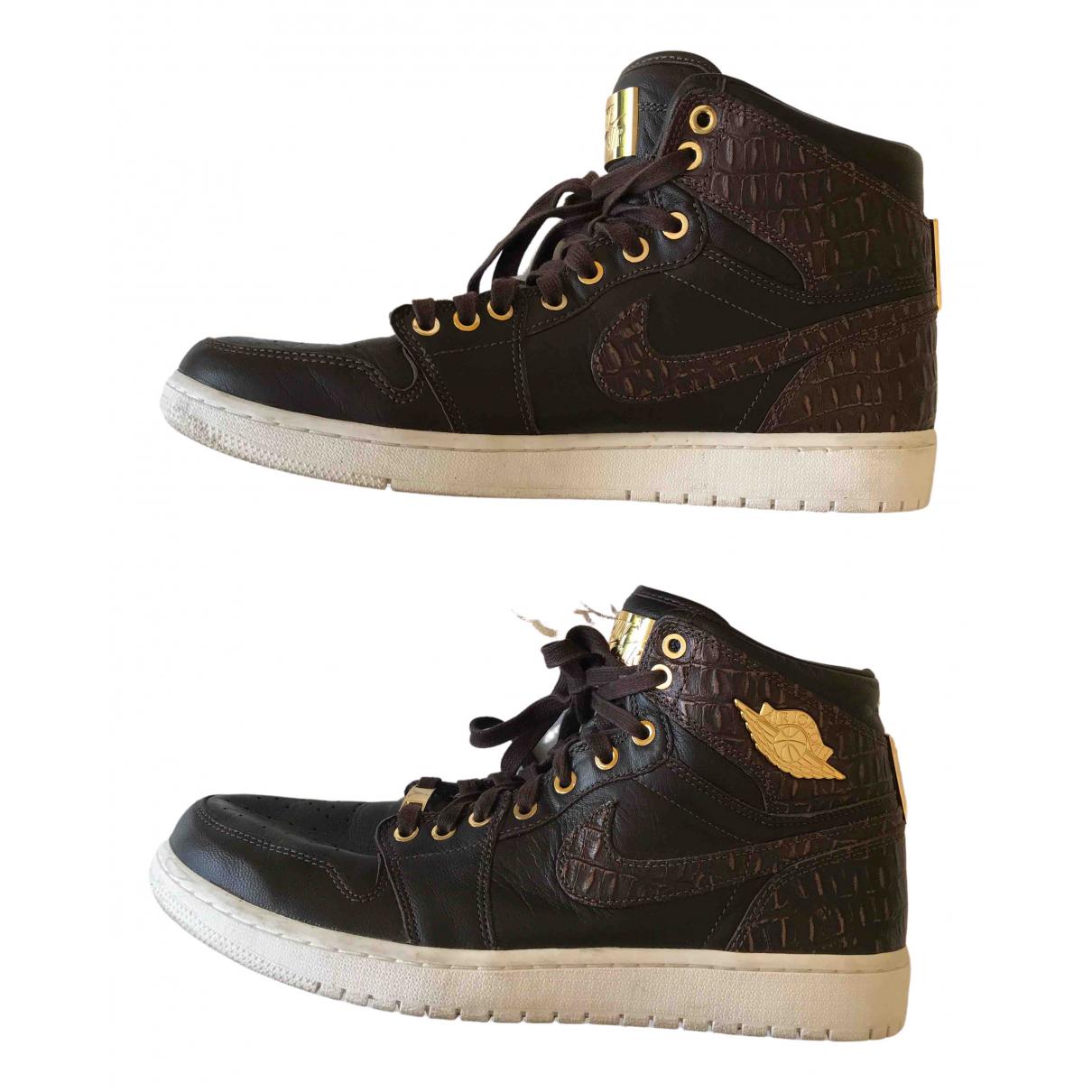Jordan \N Sneakers in  Braun Leder