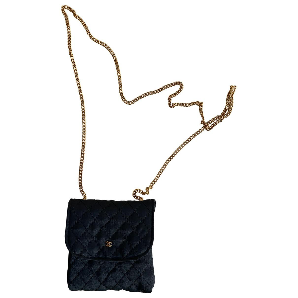 Pochette de Lona Chanel