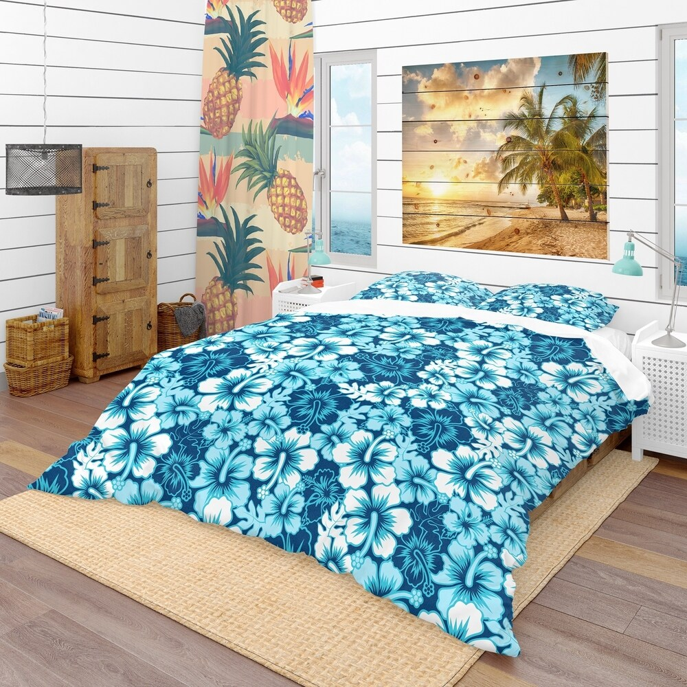 Designart 'Indigo Hawaii Flowers Pattern' Tropical Bedding Set - Duvet Cover & Shams (Twin Cover + 1 sham (comforter not included))