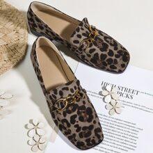 Mocasines de leopardo con diseño de cadena