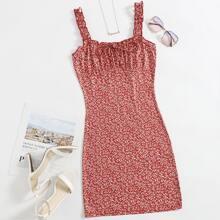 Kleid mit Rueschen, Knoten vorn und Gaensebluemchen Muster