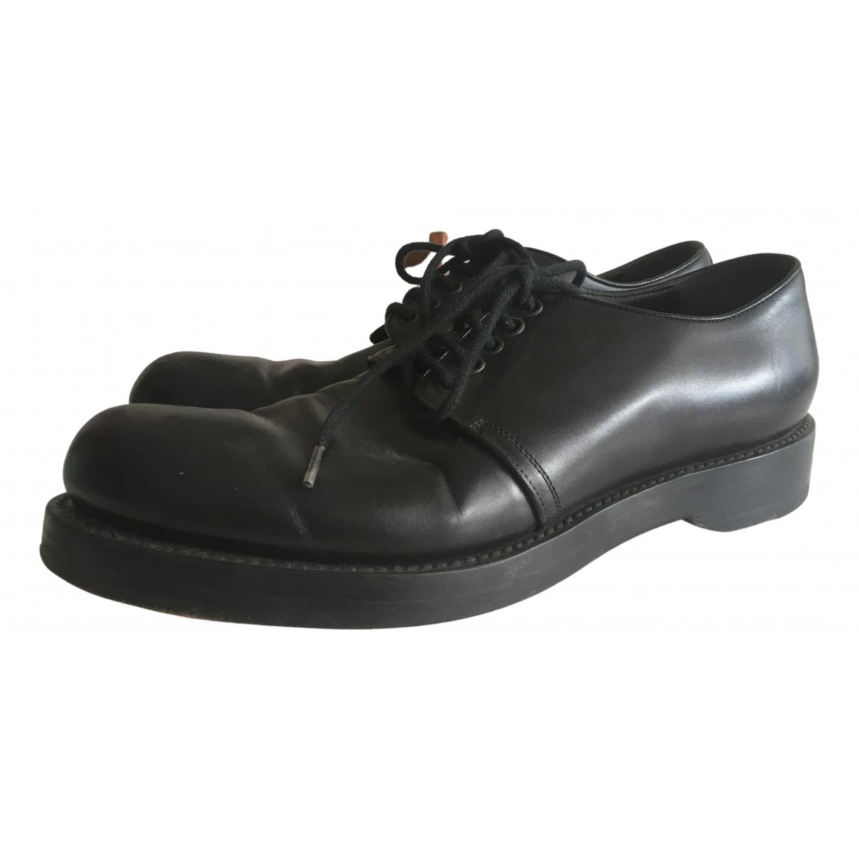 Gucci \N Schnuerschuhe in  Schwarz Leder