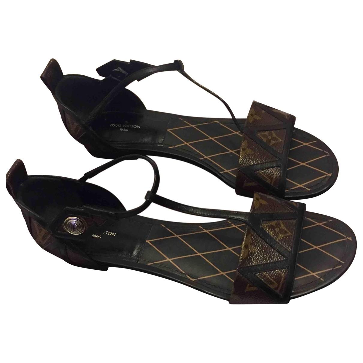 Louis Vuitton N Leather Sandals for Women 40 EU