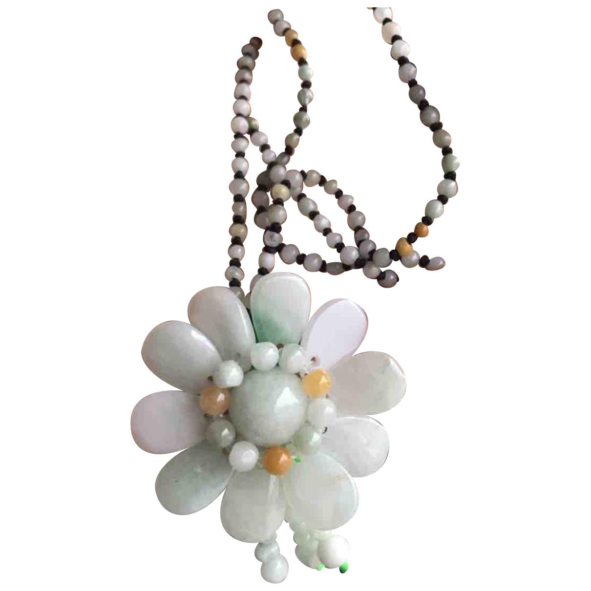 Collar Motifs Floraux de Jade Non Signe / Unsigned