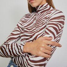 Camiseta de rayas de cebra de cuello alto