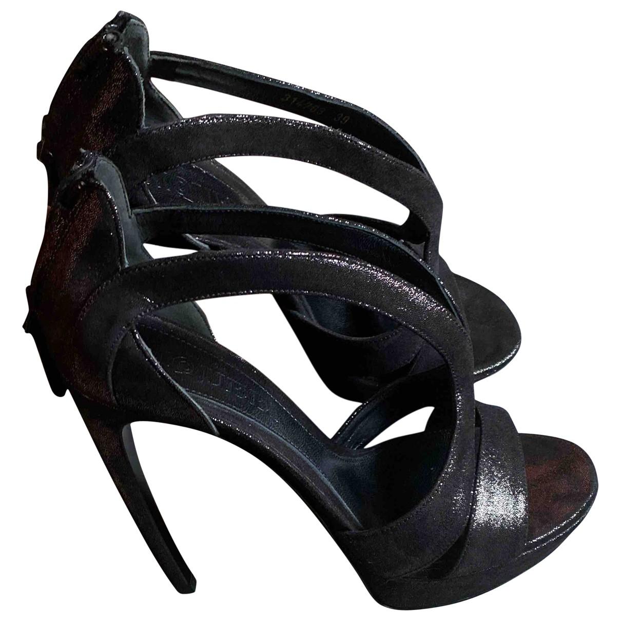 Alexander Mcqueen - Sandales   pour femme en cuir - noir