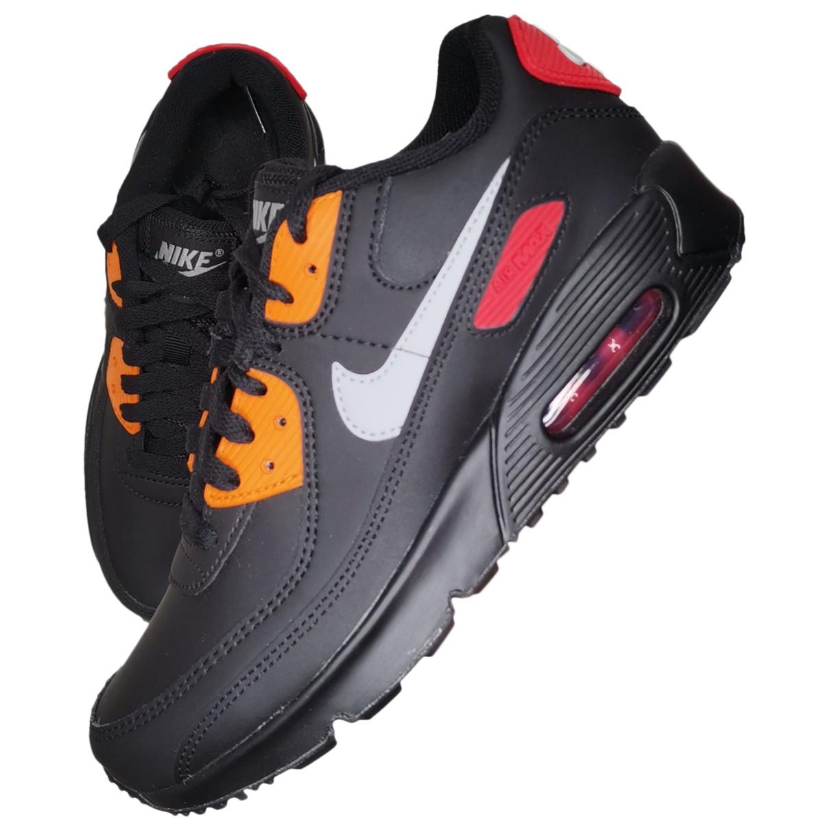Nike Air Max  Sneakers in  Schwarz Leder