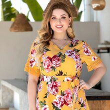 Plus Hollow Out Floral Belted Romper