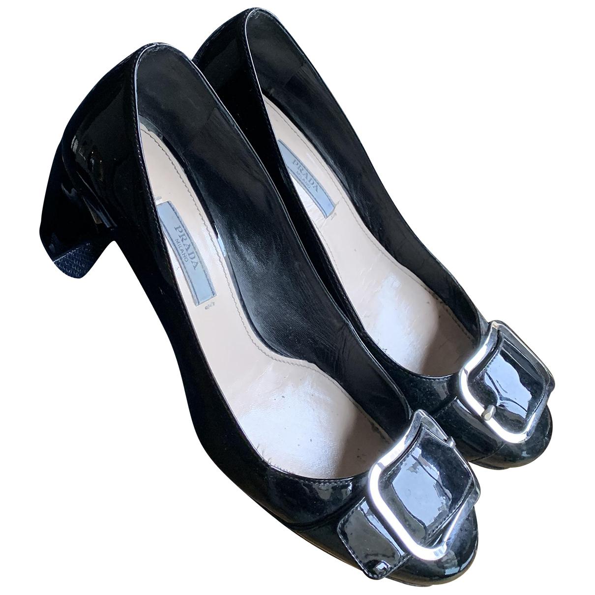 Prada \N Ballerinas in  Schwarz Lackleder