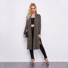 Mantel mit Schalkragen, Schlitz und Leopard Muster