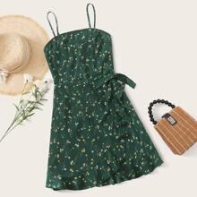 Cami Kleid mit geraffter Rueckseite, Wickel Design, Knoten, Raffungsaum und Bluemchen Muster