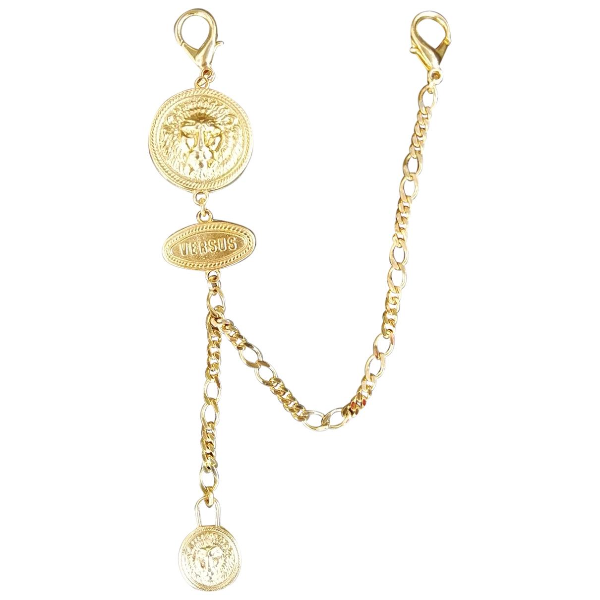 Versus \N Gold Metal Pins & brooches for Women \N