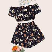 Schulterfreies Crop Top mit Blumen Muster & Shorts Set