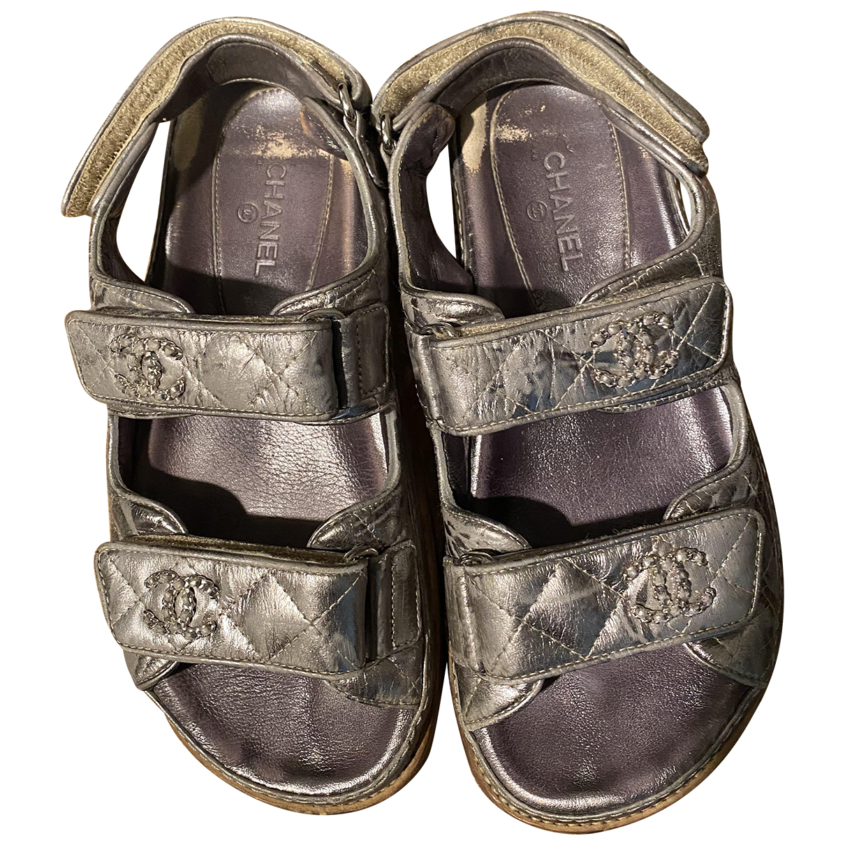 Chanel Dad Sandals Sandalen in  Metallic Leder