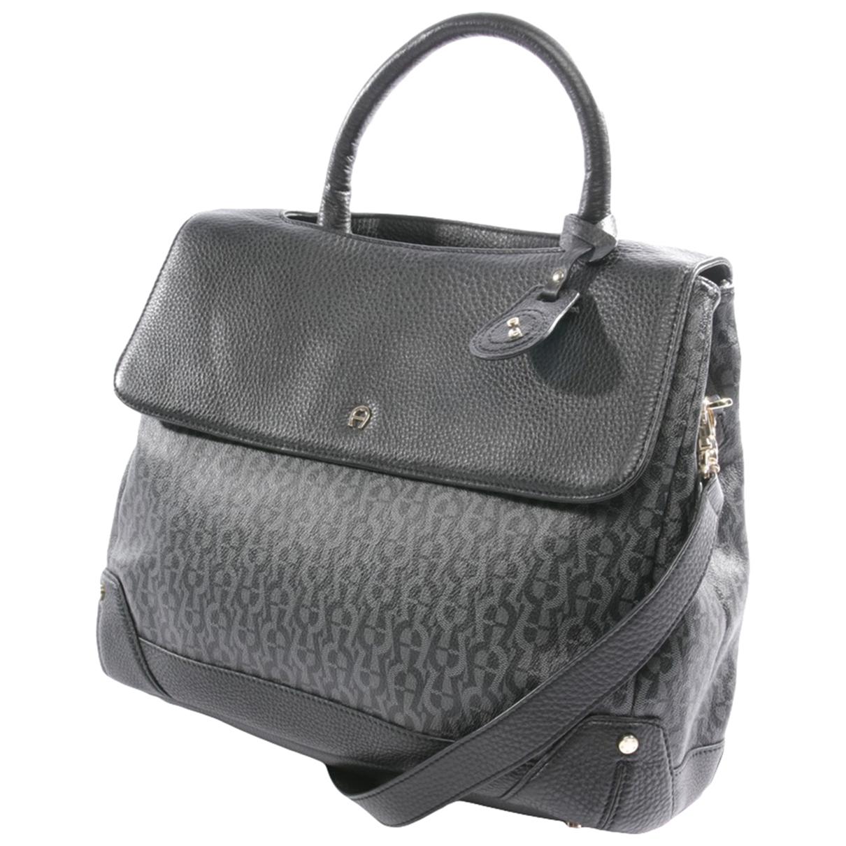 Aigner \N Handtasche in  Schwarz Leder