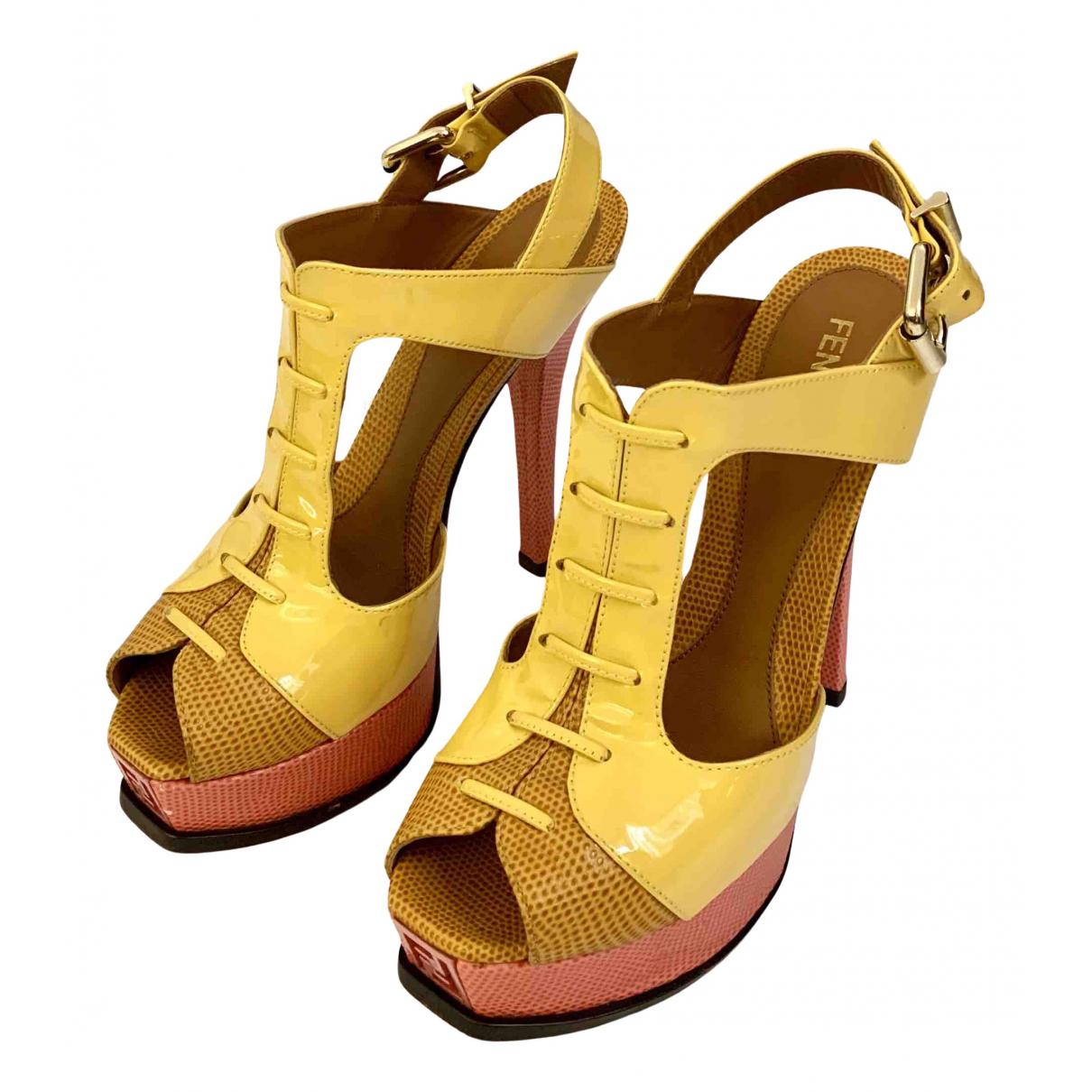 Sandalias de Charol Fendi