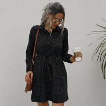 Hemdkleid mit Punkten Muster und Guertel
