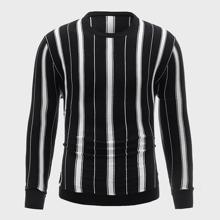 Pullover mit rundem Kragen und Streifen