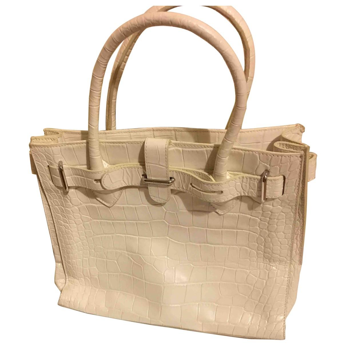 Furla \N Handtasche in  Ecru Lackleder