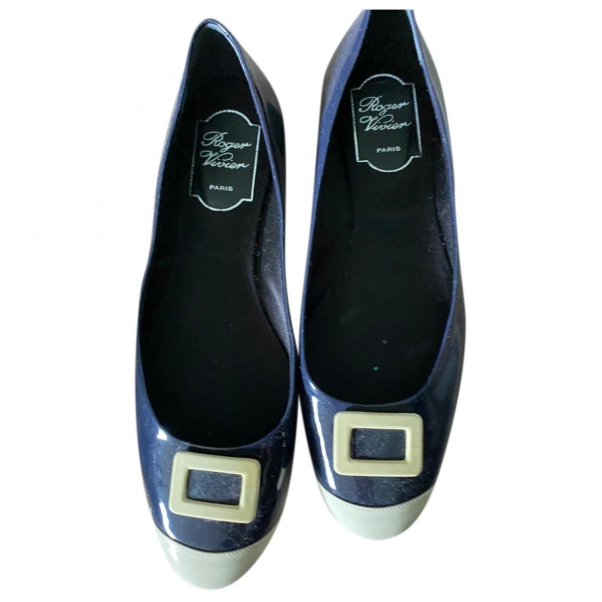 Roger Vivier \N Navy Patent leather Flats for Women 37.5 EU